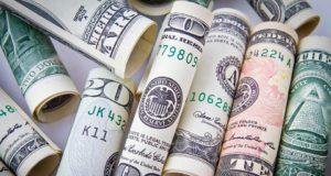 Peníze hned ve dvou bankách
