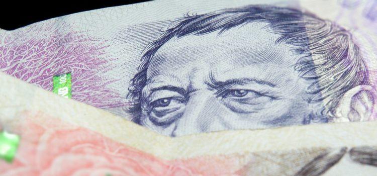 množství českých peněz