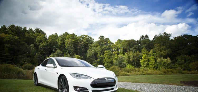 Tesla bude mít v Praze svůj vlastní servis