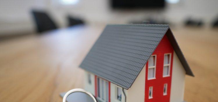 Snižují se sazby hypoték