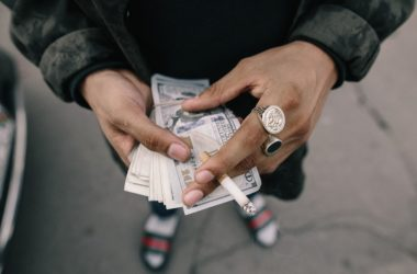 Kdo všechno vás může obrat o peníze?