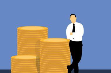 Globálně vydělávají více muži. Proč je tomu tak?