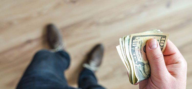 Peníze od lichváře ihned mohou i přes rizika pomoc